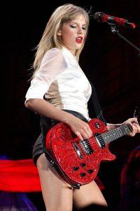Taylor Swift performing in Philadelphia